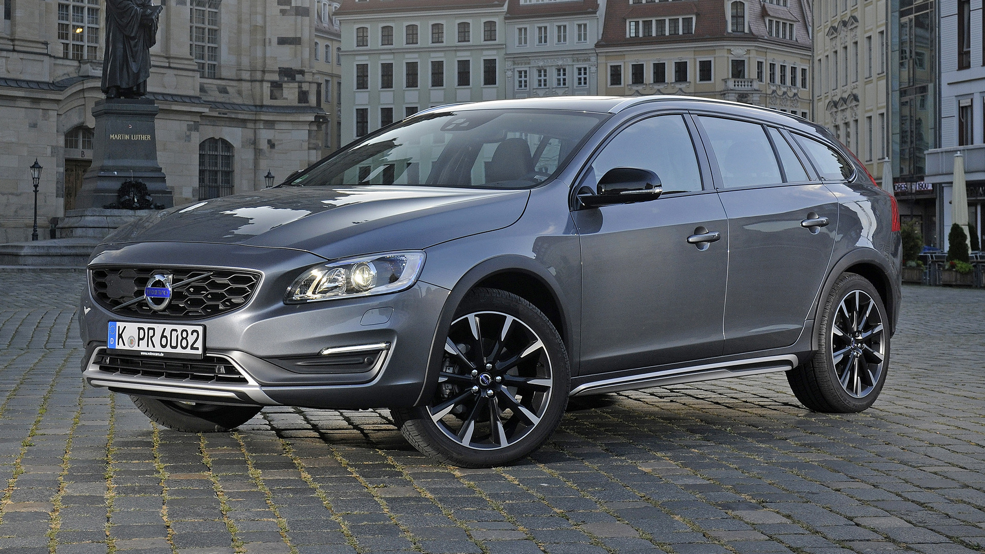 2015 Volvo V60 Cross Country - Wallpapers and HD Images | Car Pixel