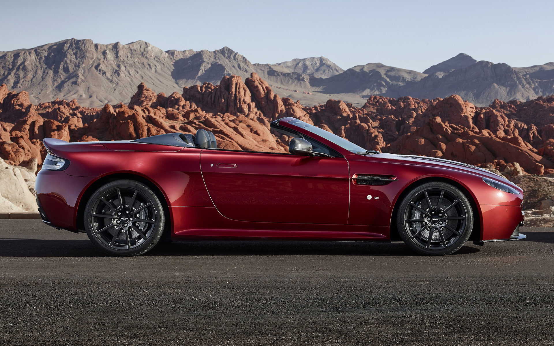 2014 Aston Martin V12 Vantage S Roadster Wallpapers And Hd Images Car Pixel