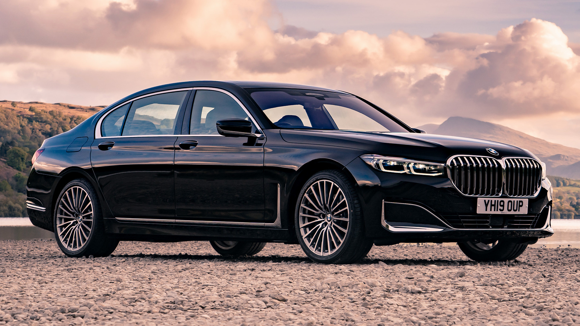 2019 Bmw 7 Series Lwb Uk Wallpapers And Hd Images