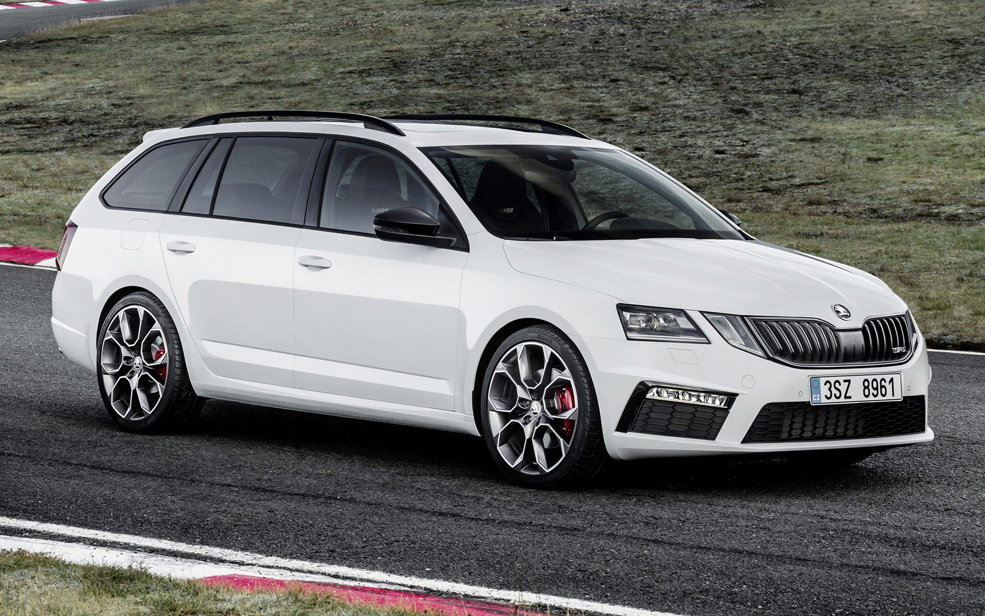 skoda octavia rs combi 2017 wallpapers and hd images car pixel. Black Bedroom Furniture Sets. Home Design Ideas