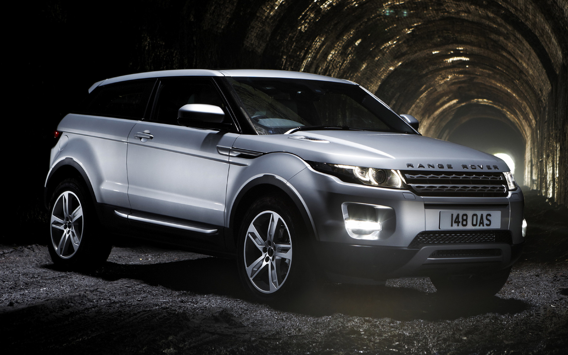 range rover evoque coupe 2011 uk wallpapers and hd images car pixel. Black Bedroom Furniture Sets. Home Design Ideas