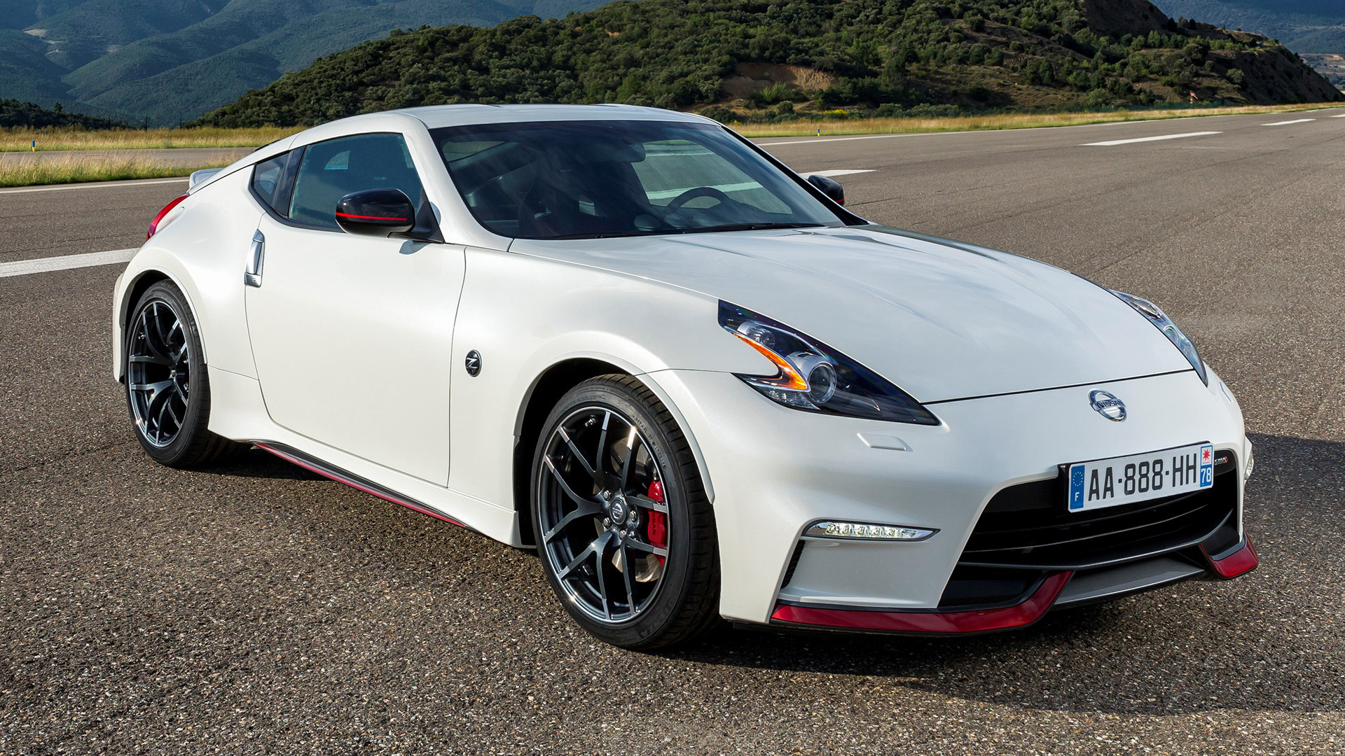 Nissan 370z Nismo 2014 Wallpapers And Hd Images Car Pixel