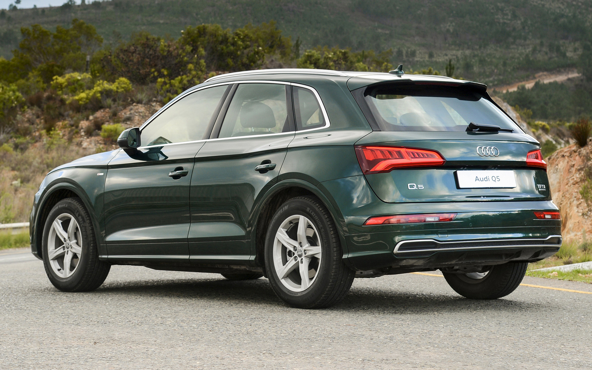 Audi Q5 S line (2017) ZA Wallpapers and HD Images - Car Pixel