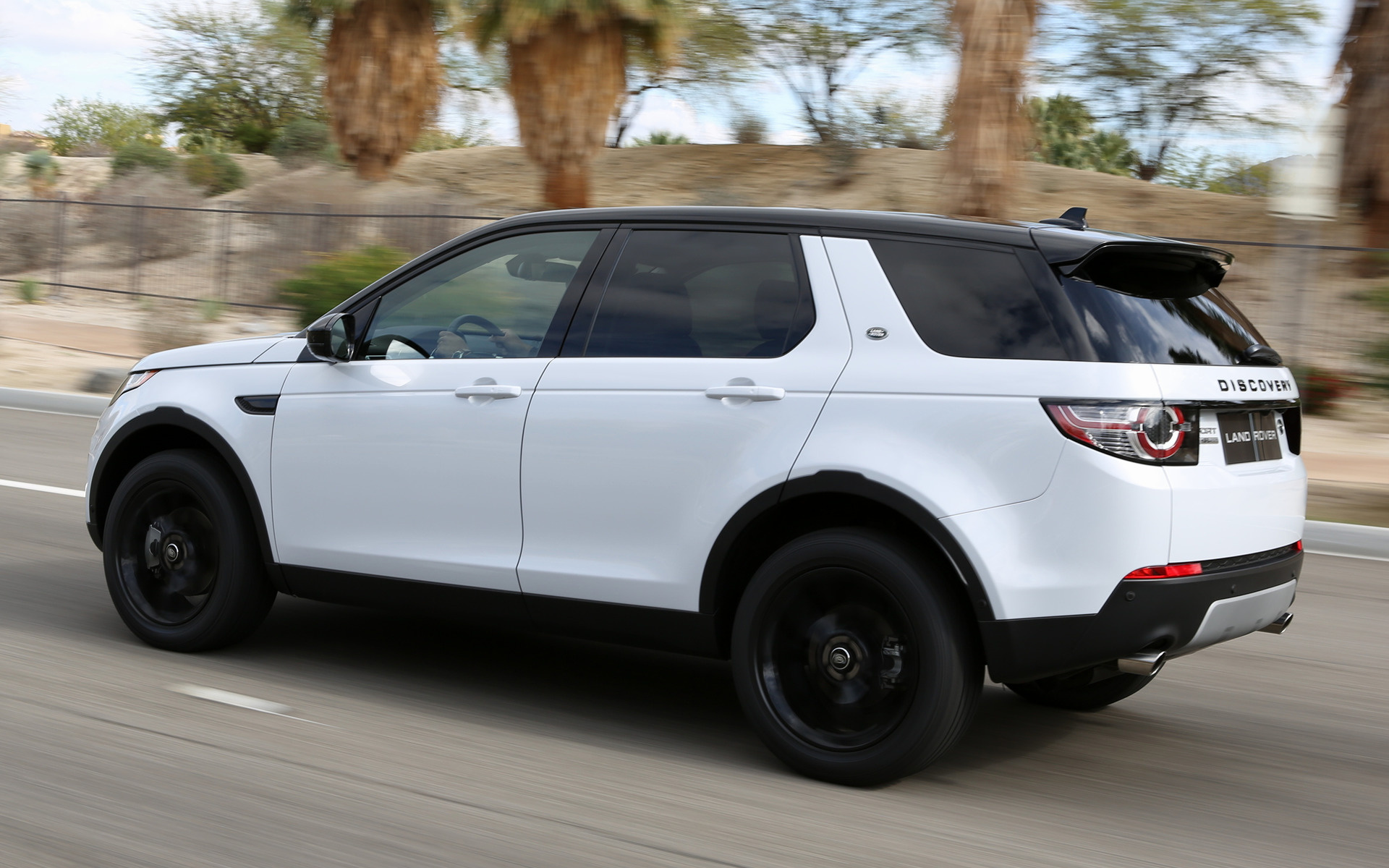 2015 Land Rover Discovery Sport Hse Luxury Black Design