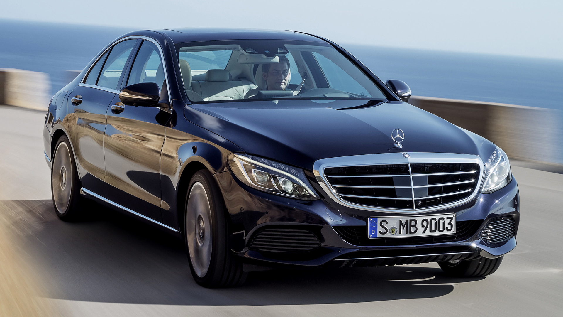 2014 mercedes benz c class hybrid with classic grille. Black Bedroom Furniture Sets. Home Design Ideas