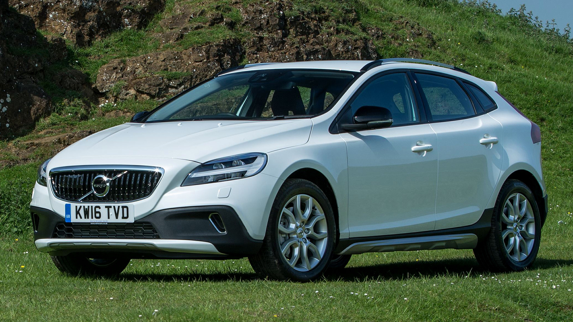 volvo v40 cross country 2016 uk wallpapers and hd images car pixel. Black Bedroom Furniture Sets. Home Design Ideas