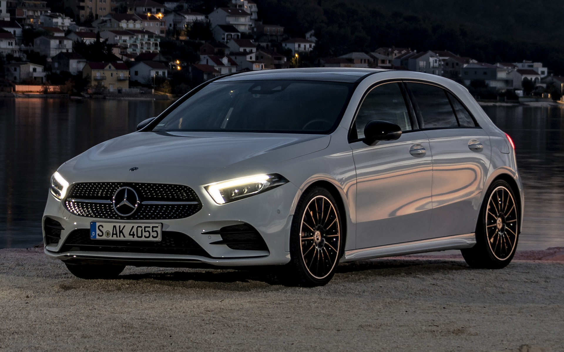mercedes benz a class amg line 2018 wallpapers and hd images car pixel. Black Bedroom Furniture Sets. Home Design Ideas