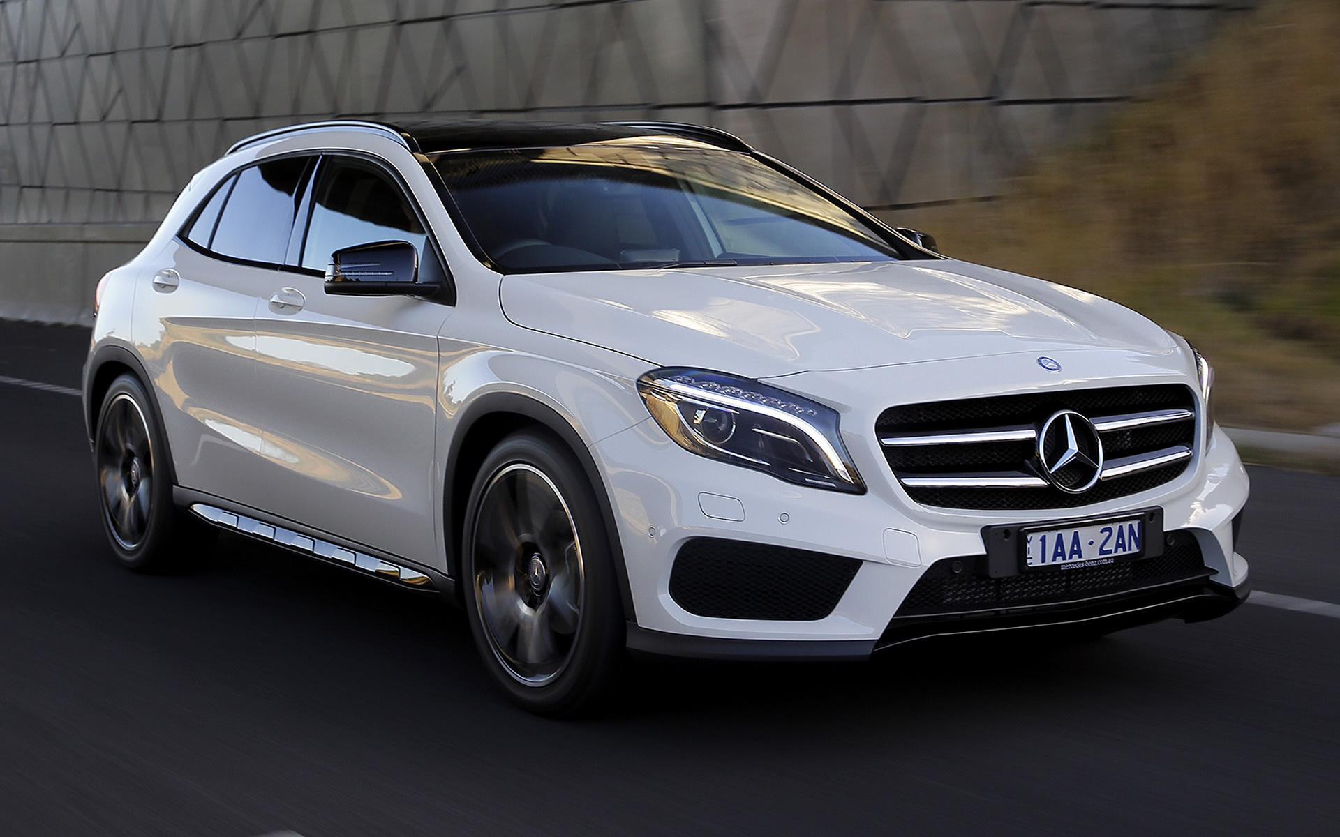 mercedes benz gla class amg line 2014 au wallpapers and hd images car pixel. Black Bedroom Furniture Sets. Home Design Ideas