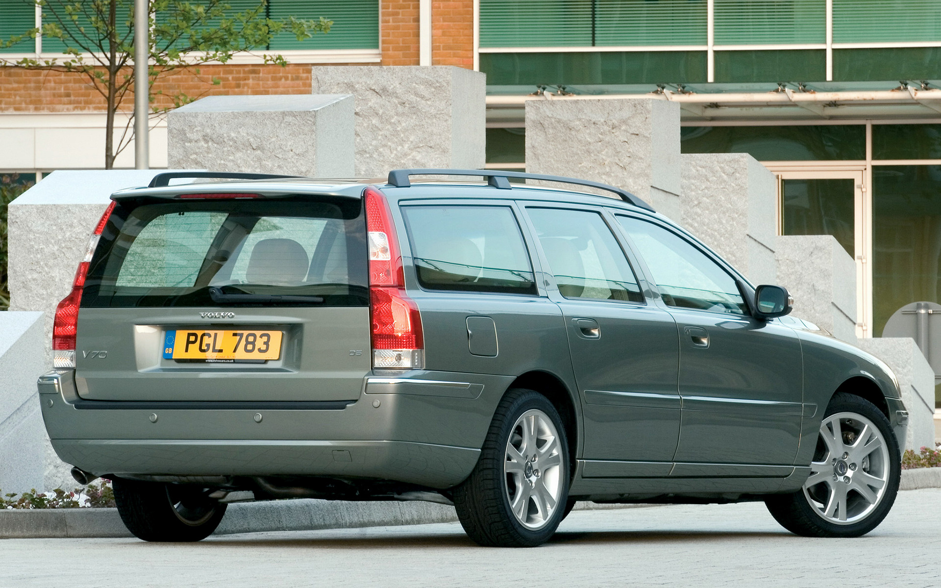 2005 Volvo V70 (UK) - Wallpapers and HD Images | Car Pixel