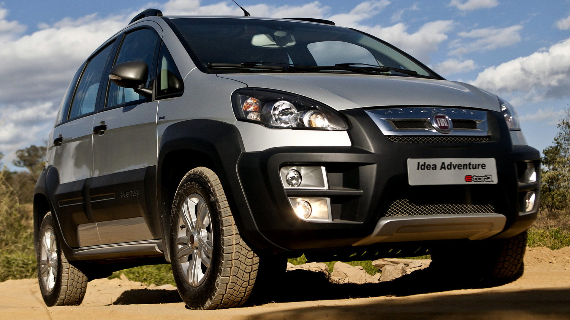 Fiat idea adventure 2010 wallpapers and hd images car for Paragolpe delantero fiat idea adventure