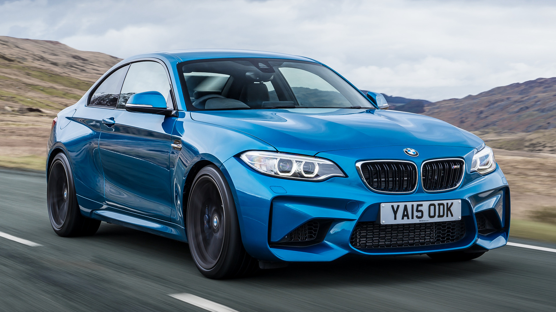 2016 bmw m2 coupe uk wallpapers and hd images car pixel. Black Bedroom Furniture Sets. Home Design Ideas
