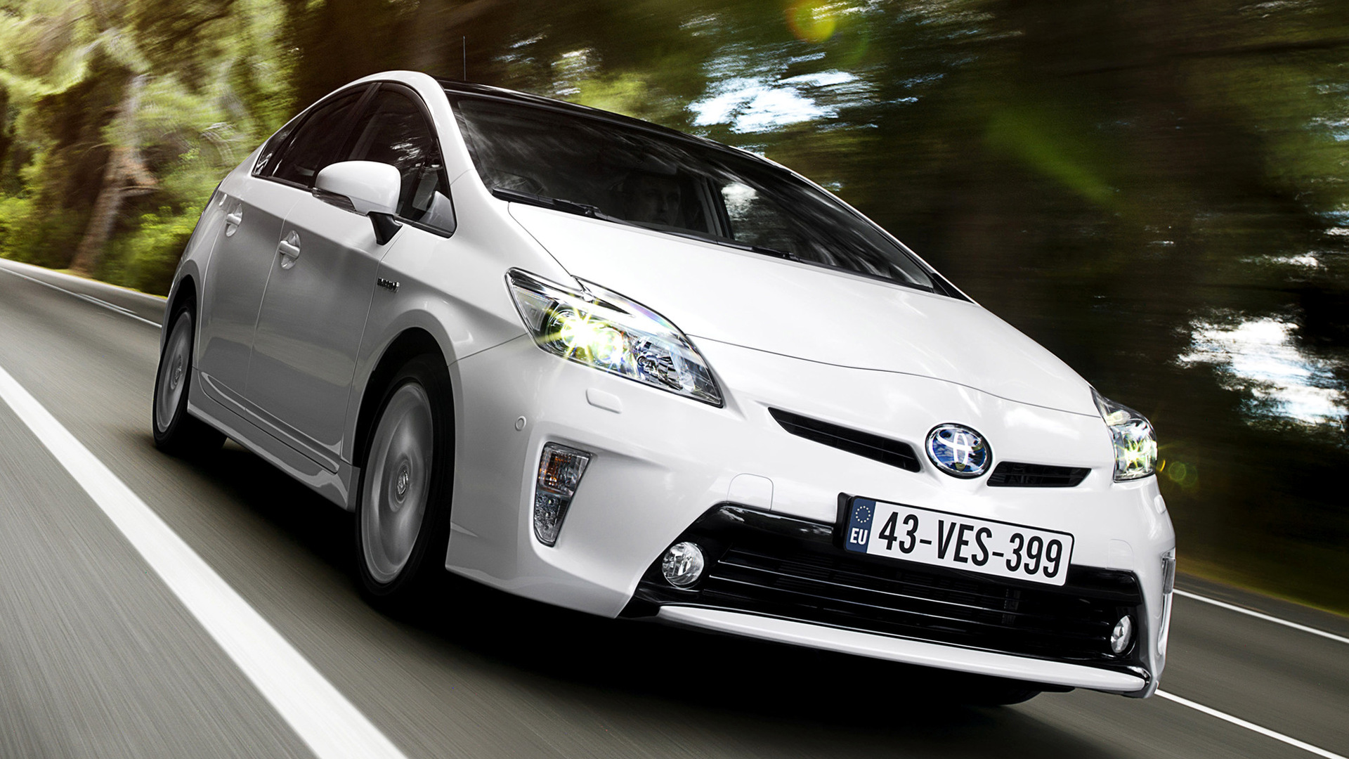 2011 Toyota Prius - Wallpapers and HD Images | Car Pixel