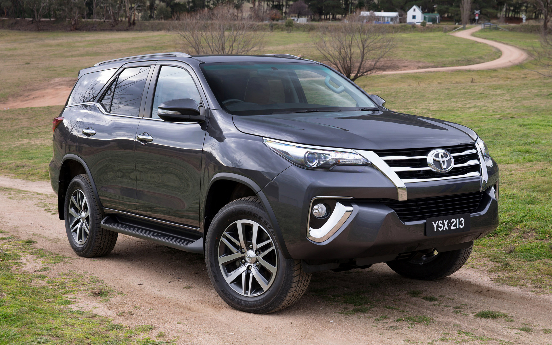 2015 Toyota Fortuner Au Wallpapers And Hd Images Car Pixel