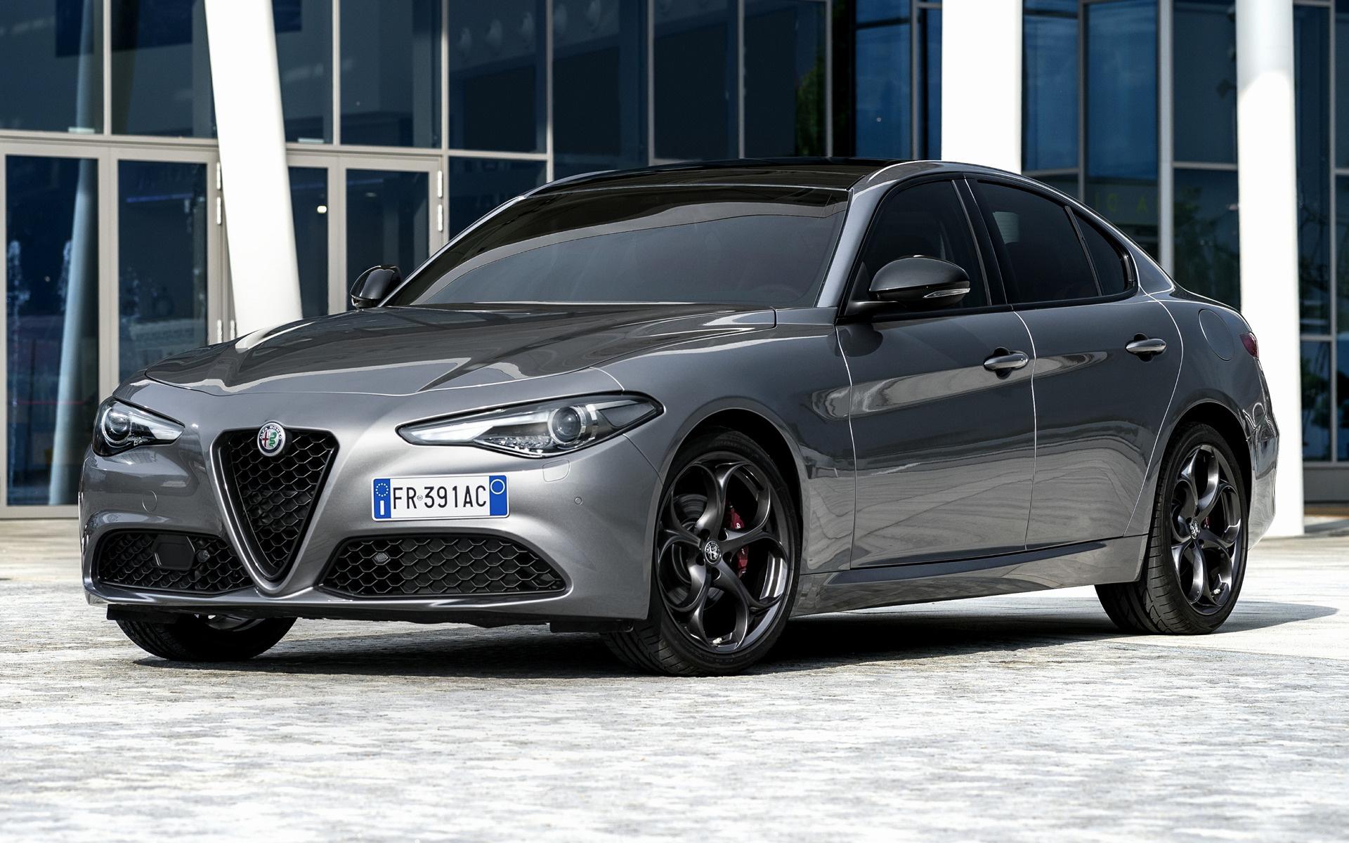 Alfa Romeo Giulia >> 2018 Alfa Romeo Giulia B-Tech - Wallpapers and HD Images ...
