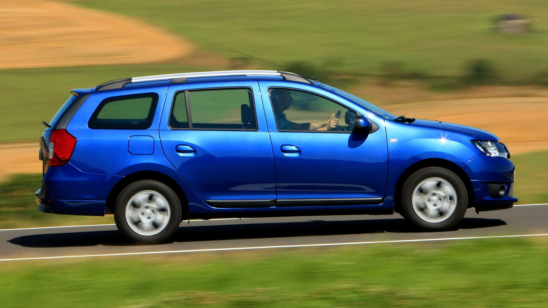 dacia logan mcv 2013 wallpapers and hd images car pixel. Black Bedroom Furniture Sets. Home Design Ideas