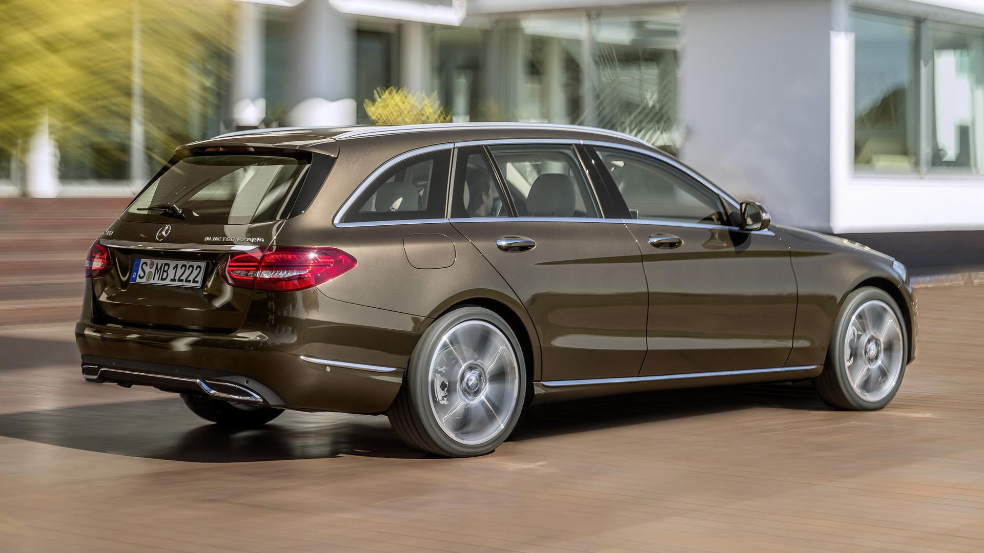 Mercedes benz c class estate hybrid with classic grille for Mercedes benz c class hybrid