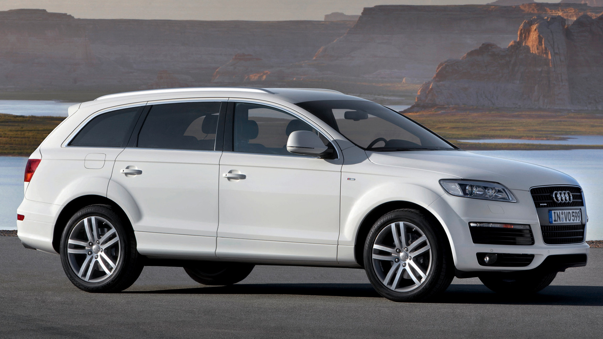 Audi Q7 S Line (2007) Wallpapers And HD Images