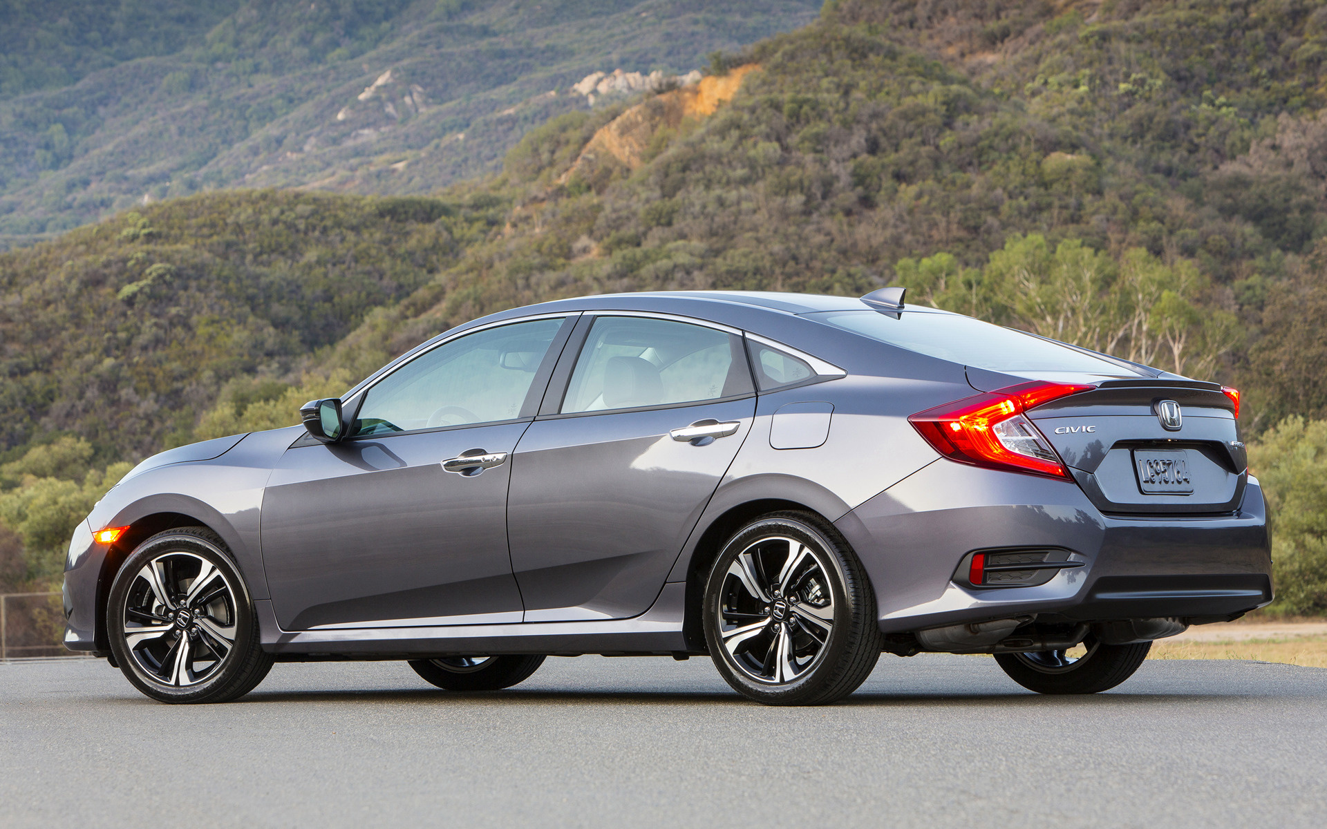 2016 Honda Civic Touring Sedan (US) - Wallpapers and HD Images | Car Pixel