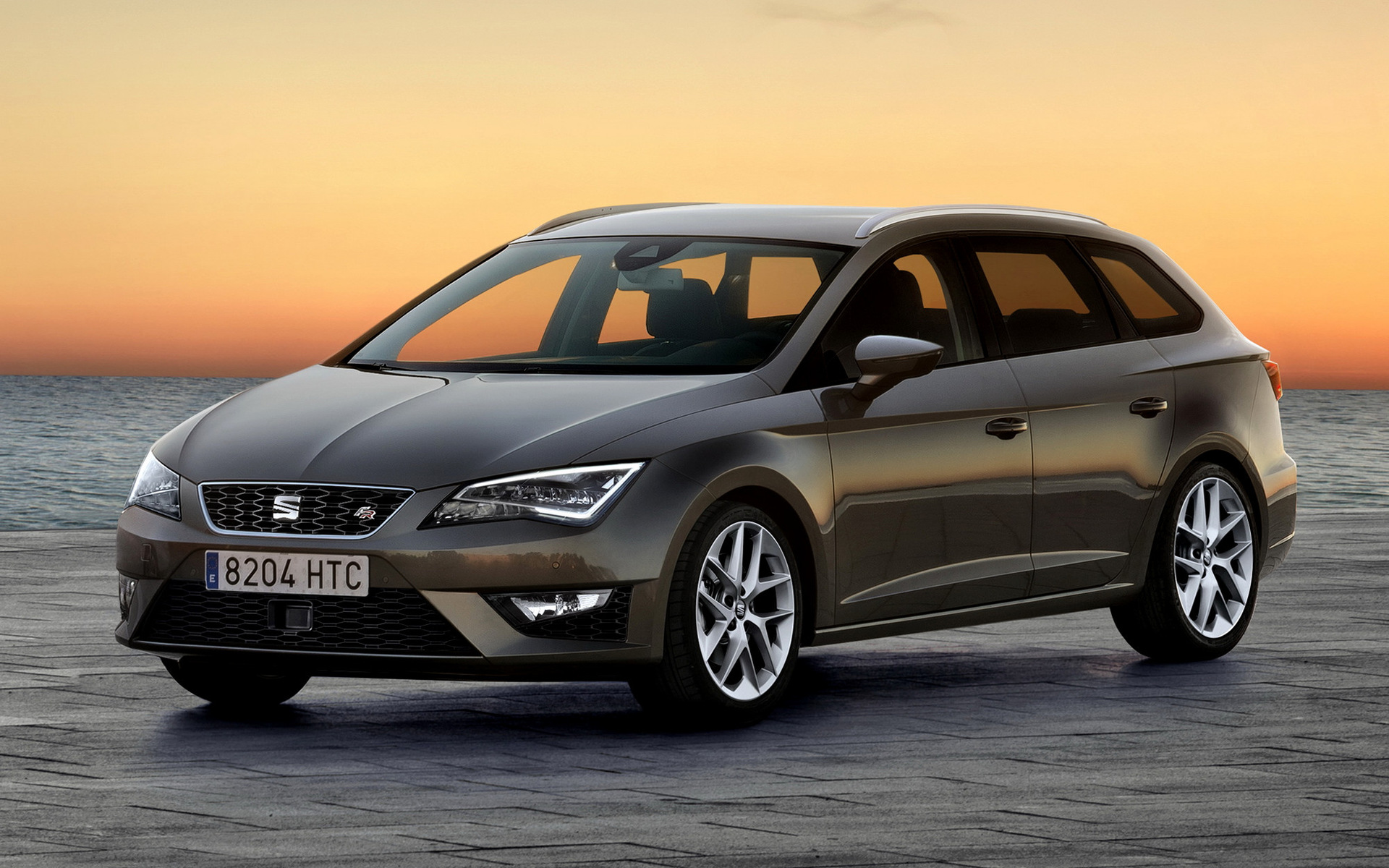 2013 seat leon st fr wallpapers and hd images car pixel. Black Bedroom Furniture Sets. Home Design Ideas