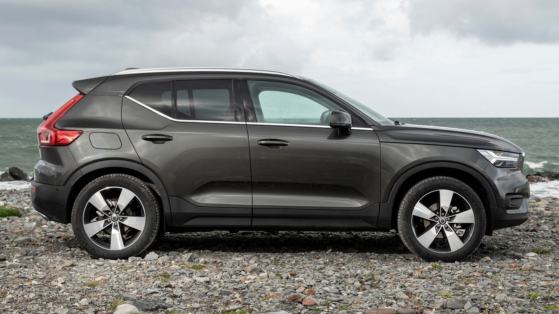volvo xc40 inscription 2018 uk wallpapers and hd images. Black Bedroom Furniture Sets. Home Design Ideas