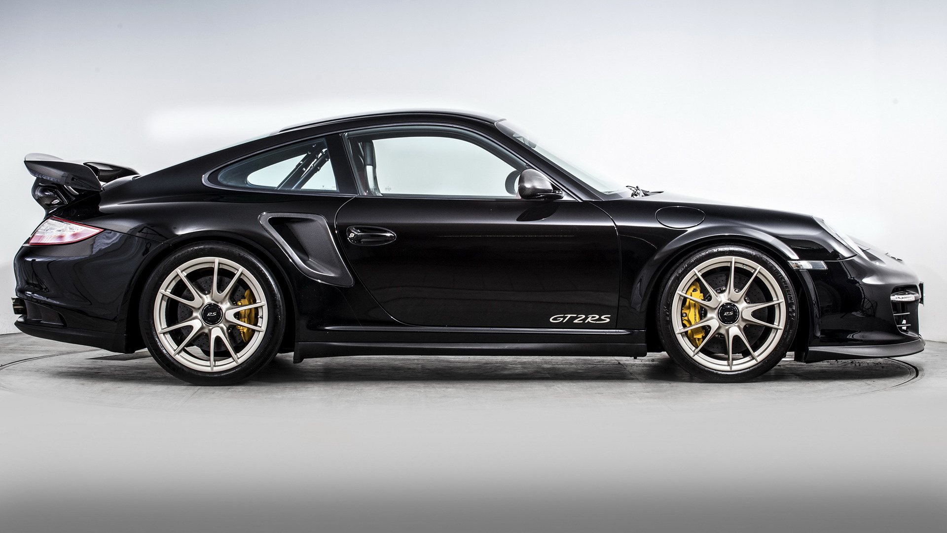 porsche 911 gt2 rs 2010 uk wallpapers and hd images. Black Bedroom Furniture Sets. Home Design Ideas