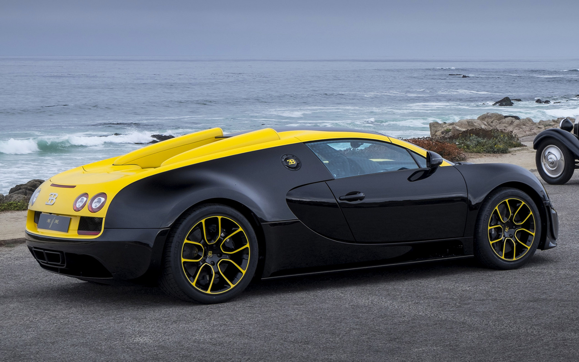 bugatti veyron grand sport vitesse 1 of 1 2014 wallpapers and hd images c. Black Bedroom Furniture Sets. Home Design Ideas