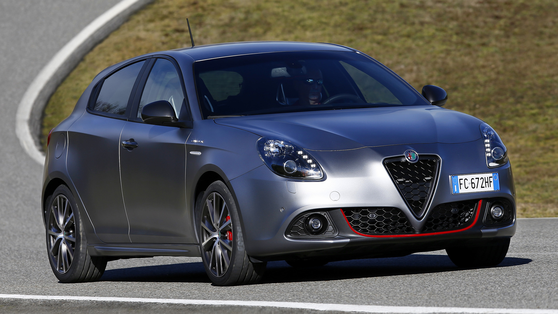 alfa romeo giulietta veloce 2016 wallpapers and hd images car pixel. Black Bedroom Furniture Sets. Home Design Ideas