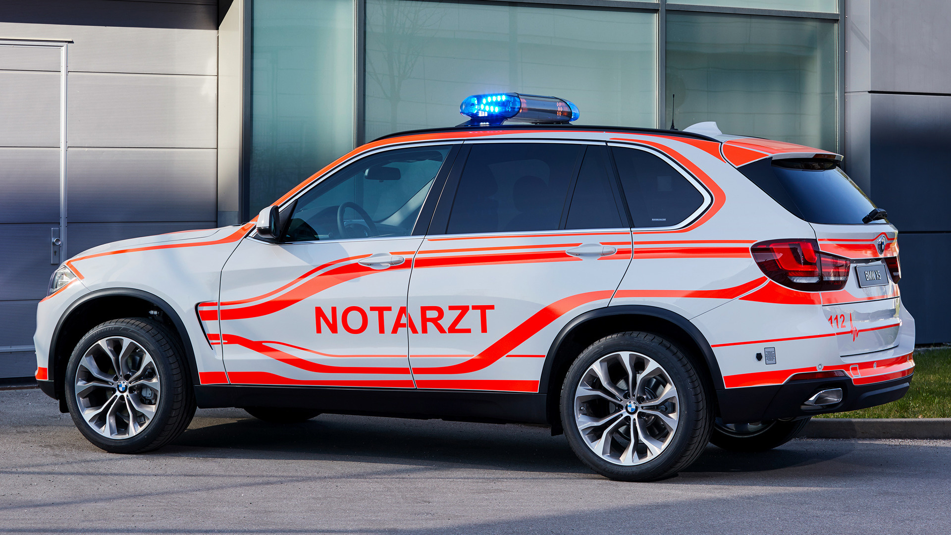 2014 BMW X5 Notarzt - Wallpapers and HD Images | Car Pixel