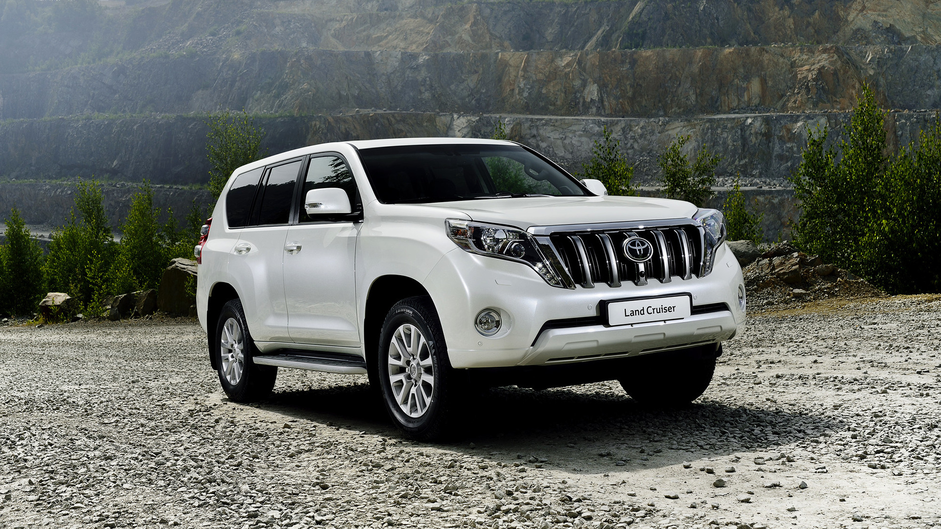 Toyota land cruiser 2013 wallpapers and hd images car - Land cruiser hd wallpaper ...