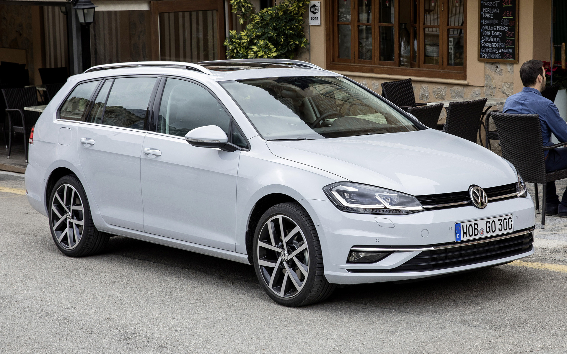 Volkswagen Golf Variant 2017 Wallpapers And HD Images