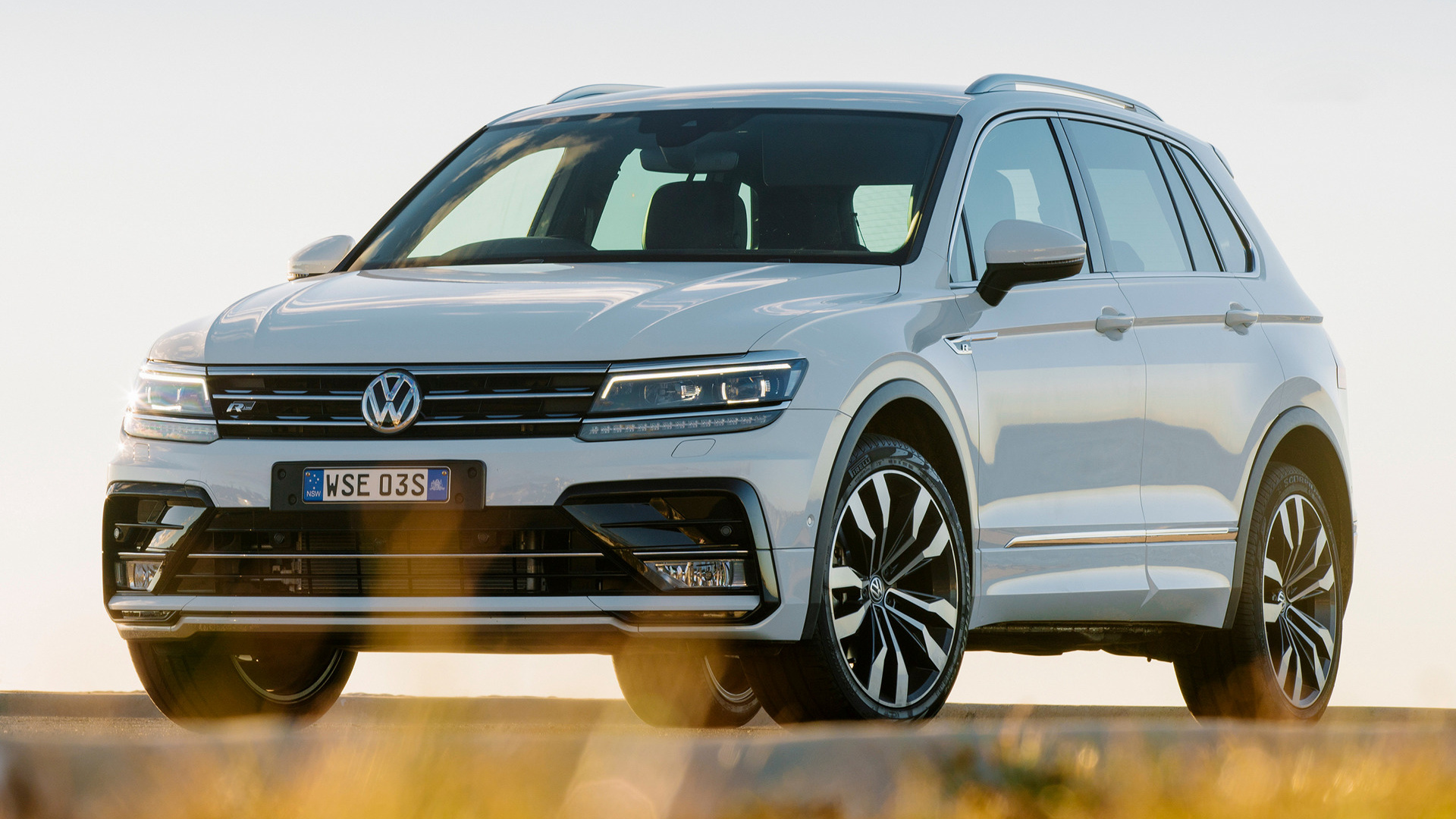 volkswagen tiguan r line 2016 au wallpapers and hd. Black Bedroom Furniture Sets. Home Design Ideas