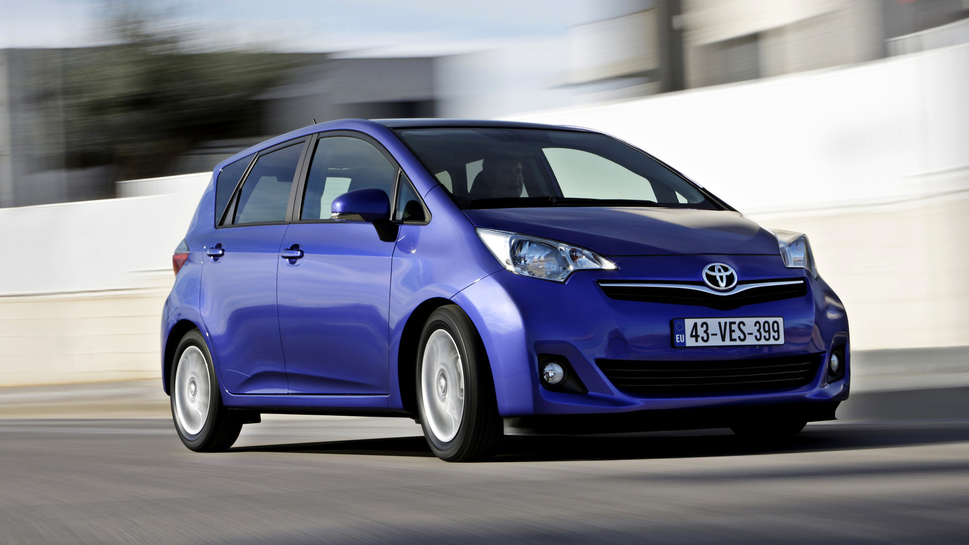 toyota verso s 2010 wallpapers and hd images car pixel. Black Bedroom Furniture Sets. Home Design Ideas