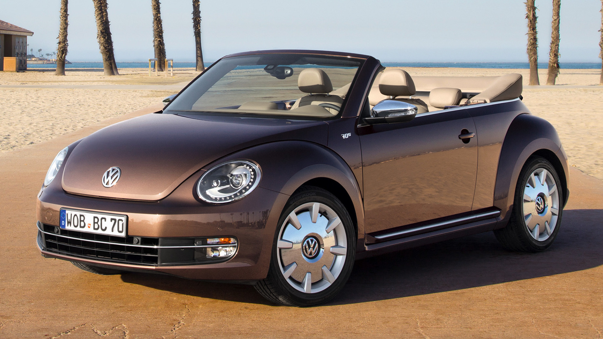 Volkswagen Beetle Cabriolet 70s Edition (2012) Wallpapers and HD Images - Car Pixel