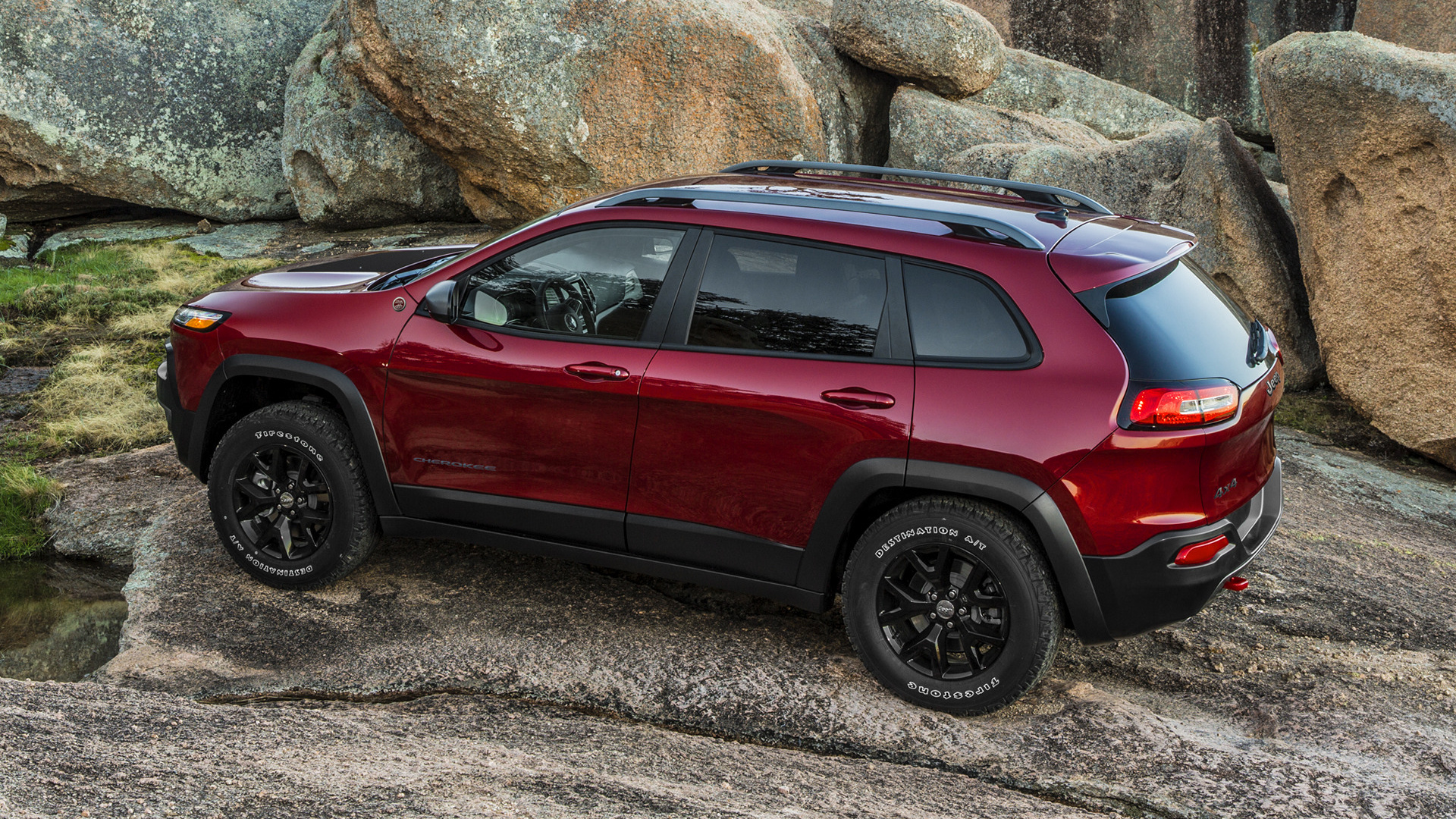 and trailhawk review first driver cherokee drive original car jeep photo reviews v s