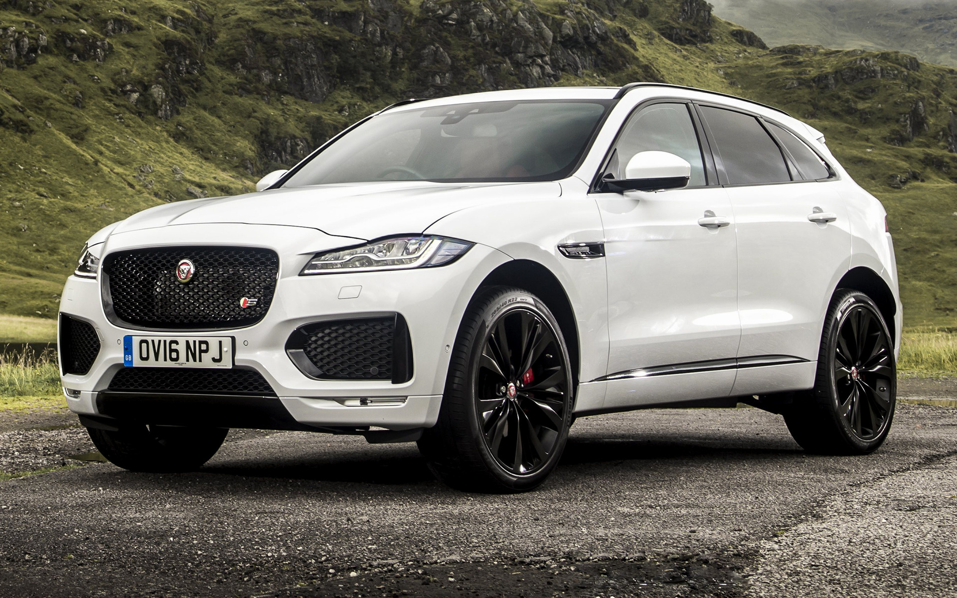 2016 Jaguar F-Pace S (UK) - Wallpapers and HD Images | Car ...
