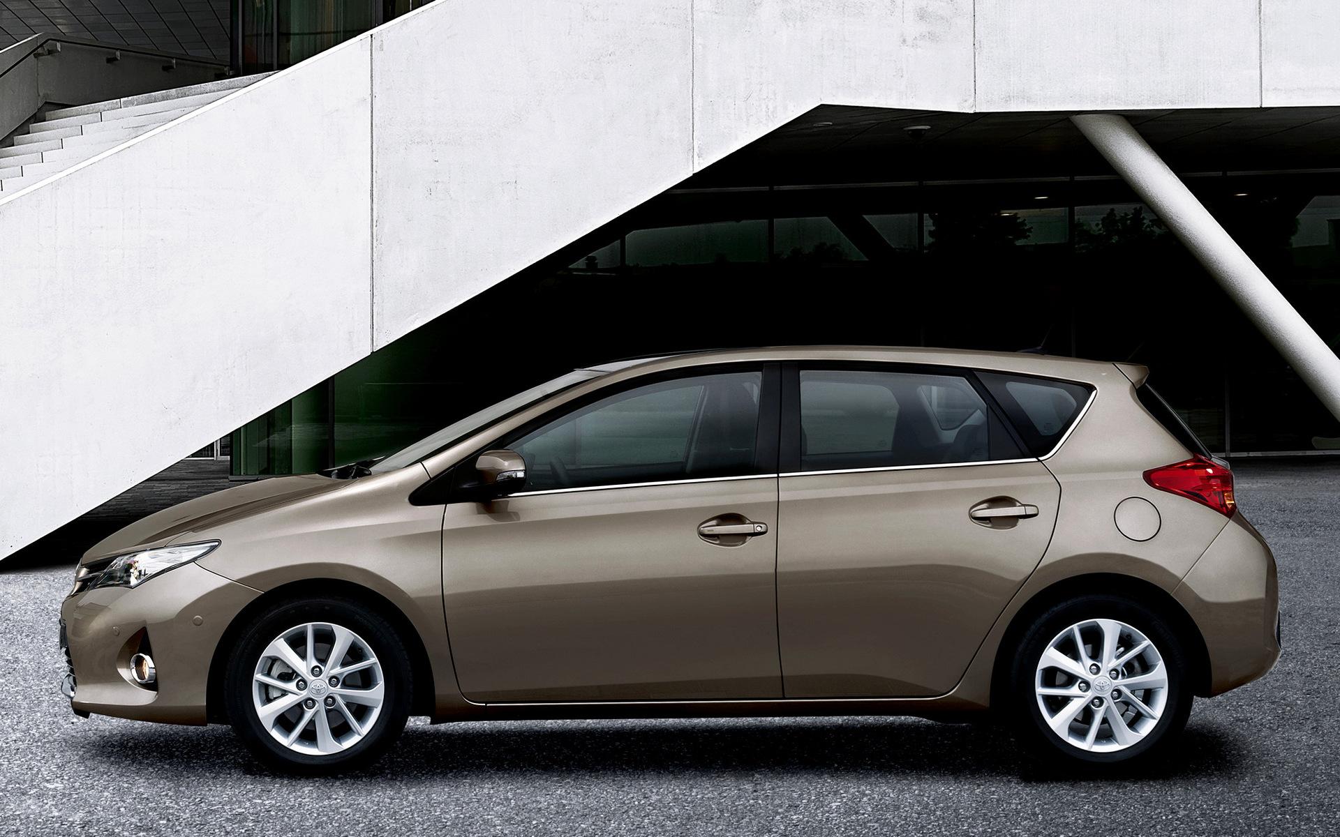 Toyota Аурис плюсы и минусы