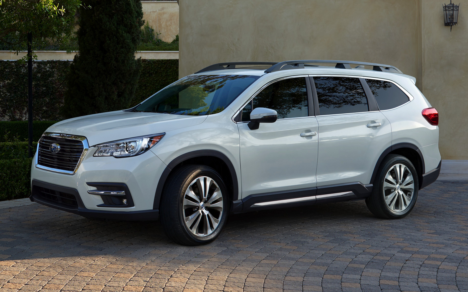 Subaru Ascent Limited Car Wallpaper