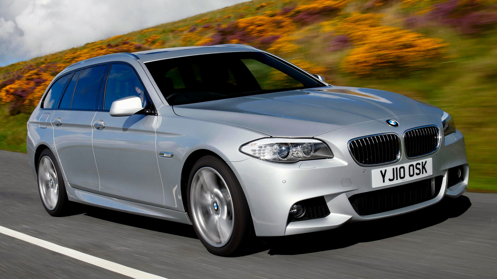 2010 Bmw 5 Series Touring M Sport Uk Wallpapers And Hd Images Car Pixel