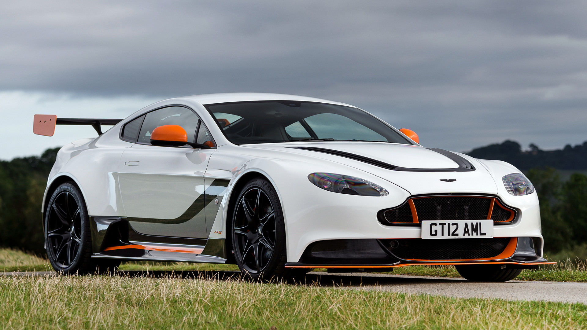 aston martin vantage gt12 2015 uk wallpapers and hd