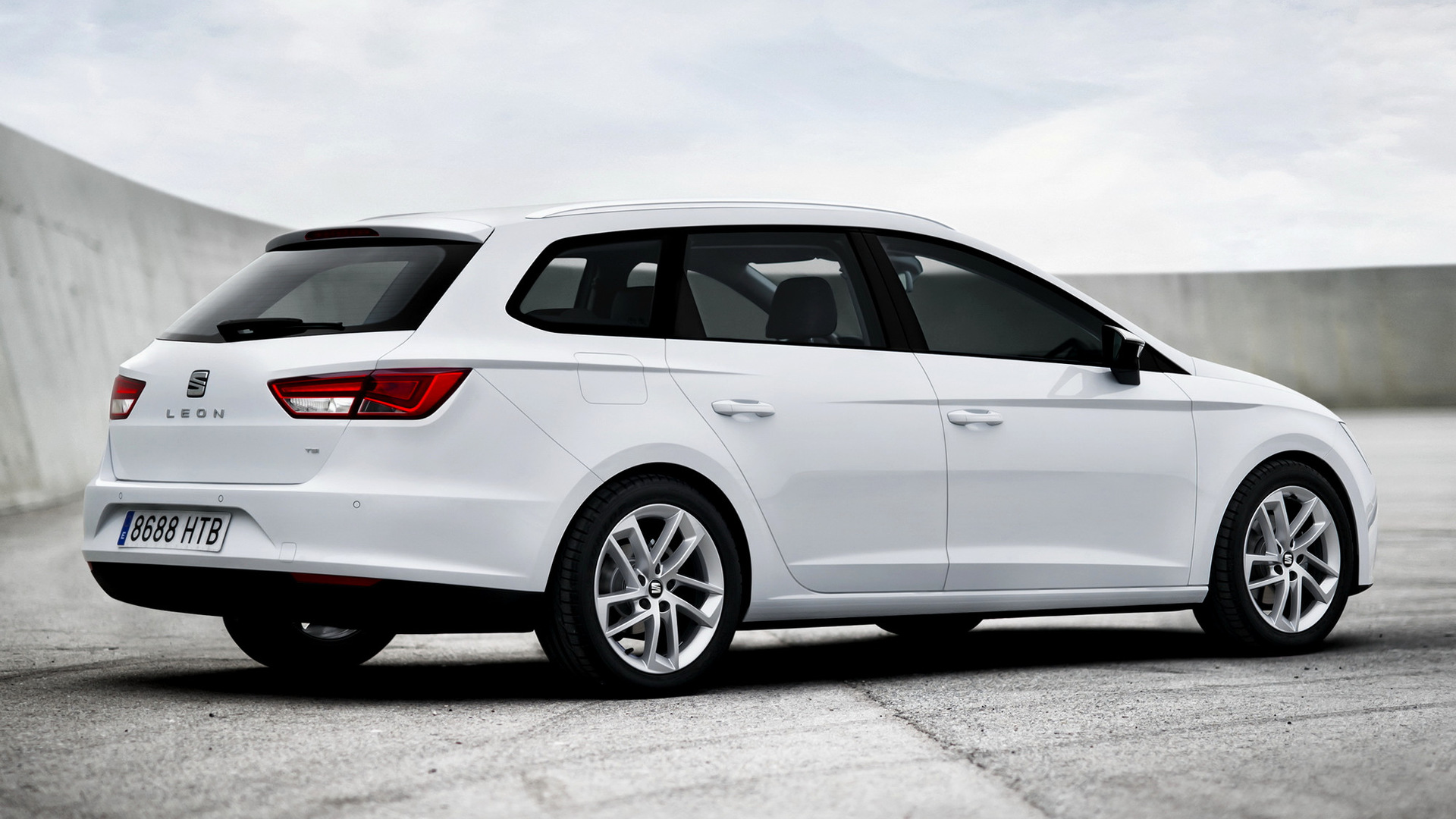 Seat leon st 2013 wallpapers and hd images car pixel