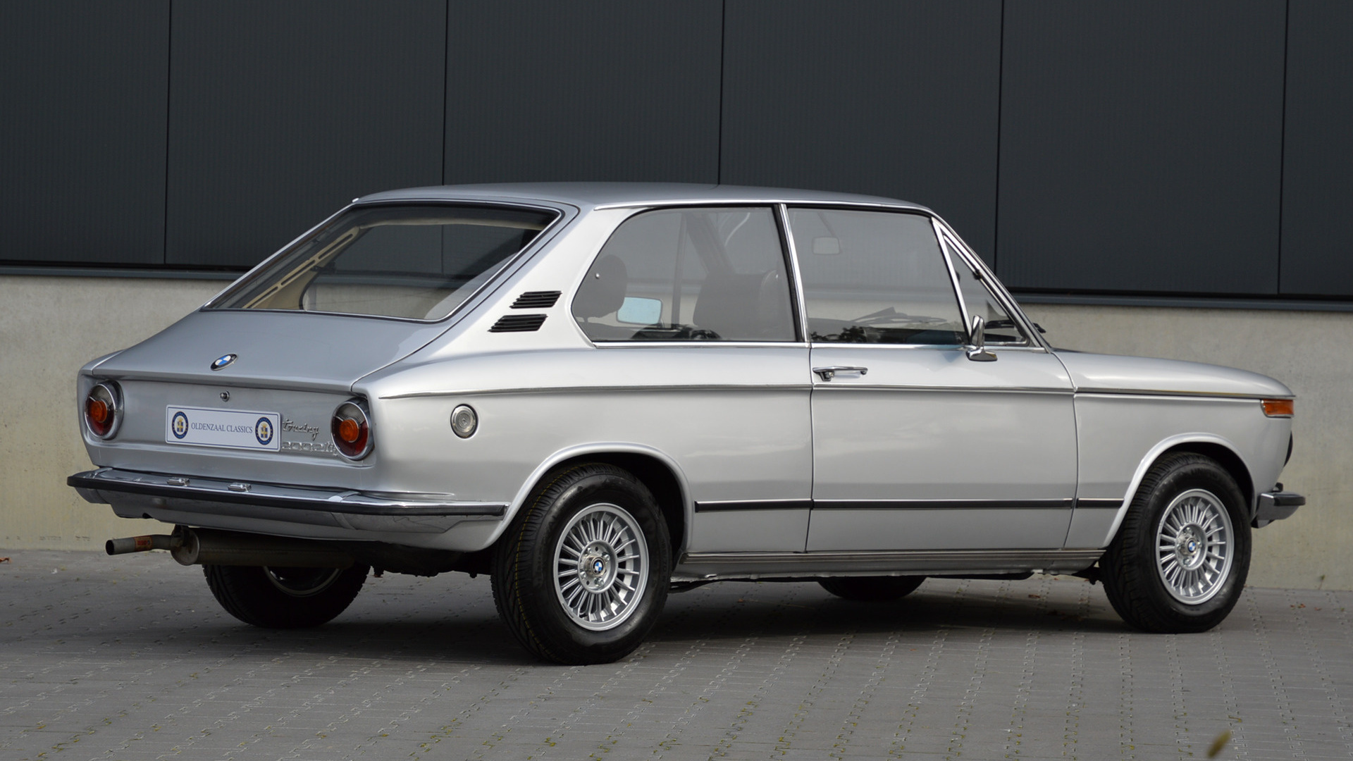 1973 Bmw 2002 Tii Touring Wallpapers And Hd Images Car Pixel