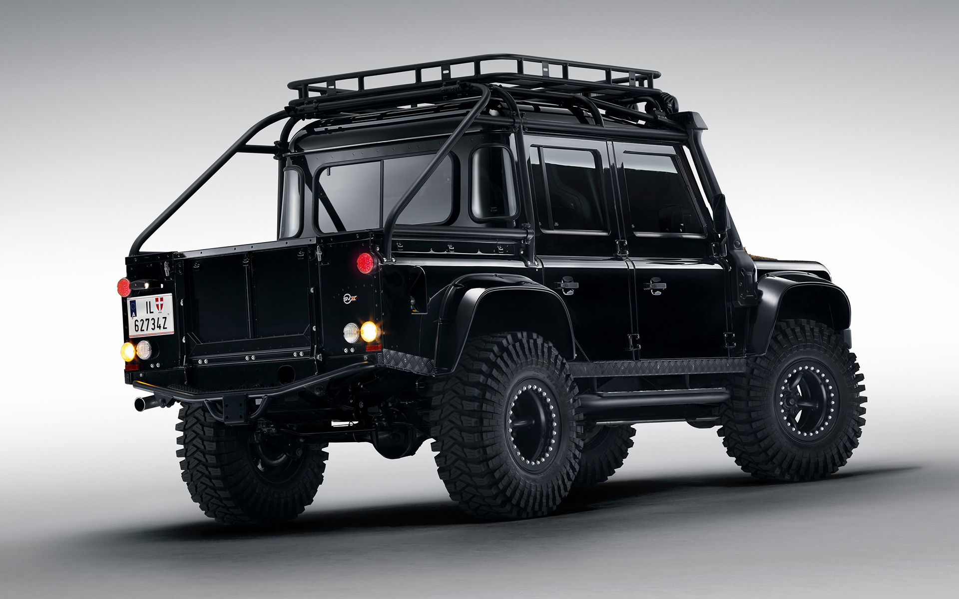 2015 Land Rover Defender 007 Spectre - Wallpapers and HD ...