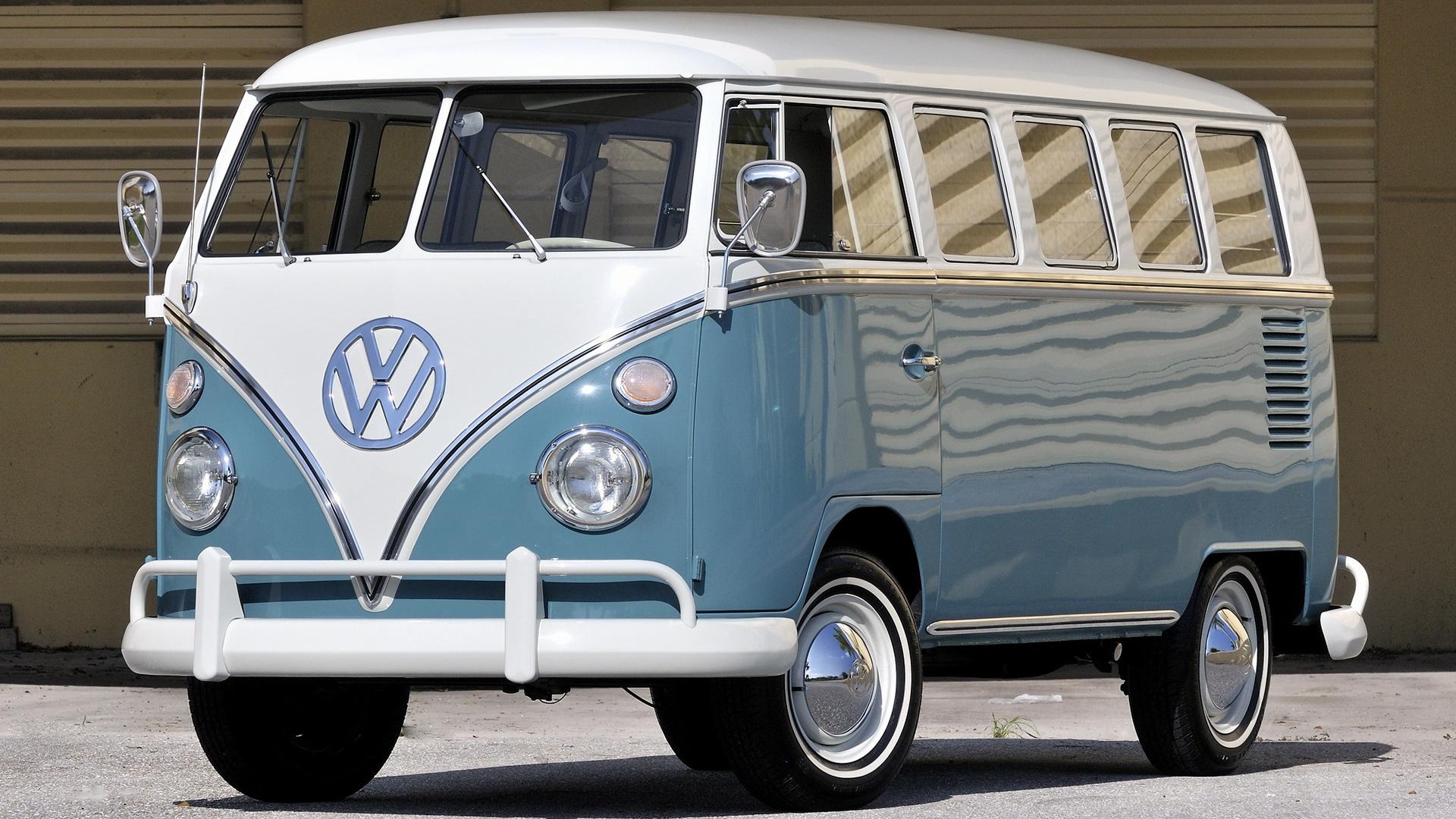 1967 Volkswagen T1 Deluxe Bus