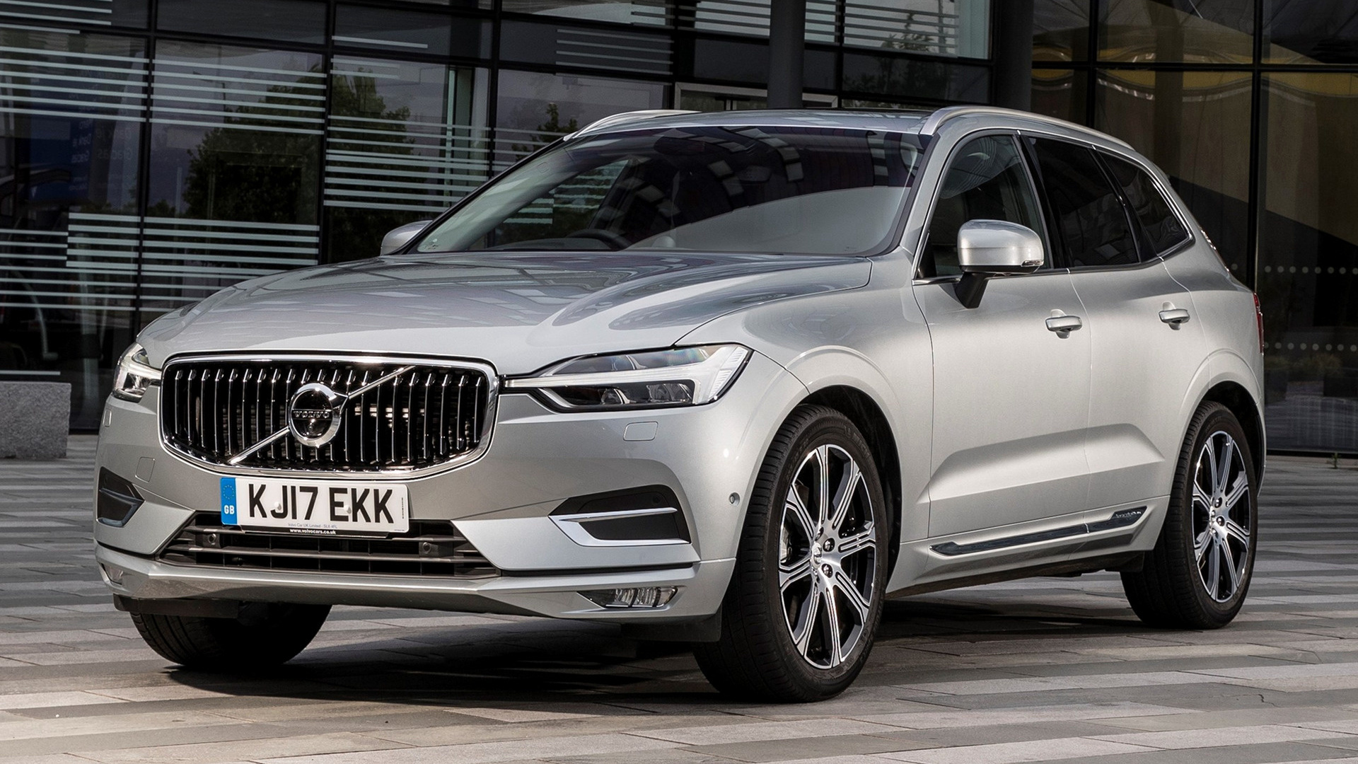 2017 volvo xc60 uk wallpapers and hd images car pixel. Black Bedroom Furniture Sets. Home Design Ideas