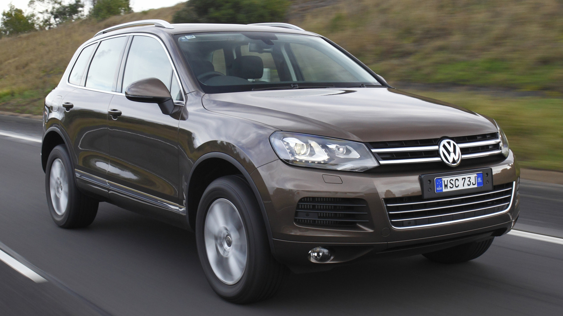 volkswagen touareg 2010 au wallpapers and hd images. Black Bedroom Furniture Sets. Home Design Ideas