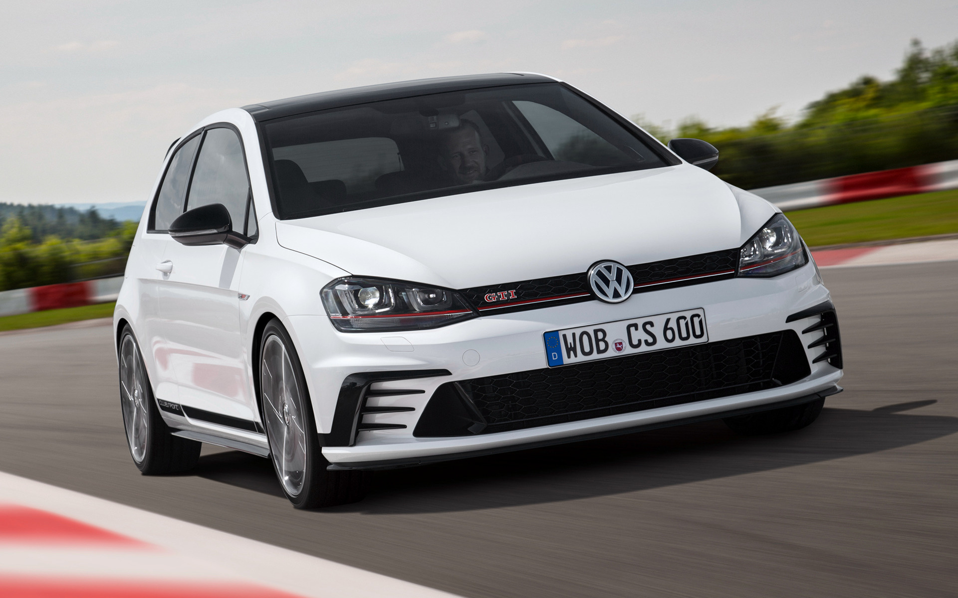 Volkswagen Golf GTI Clubsport 3-door (2015) Wallpapers and HD Images - Car Pixel