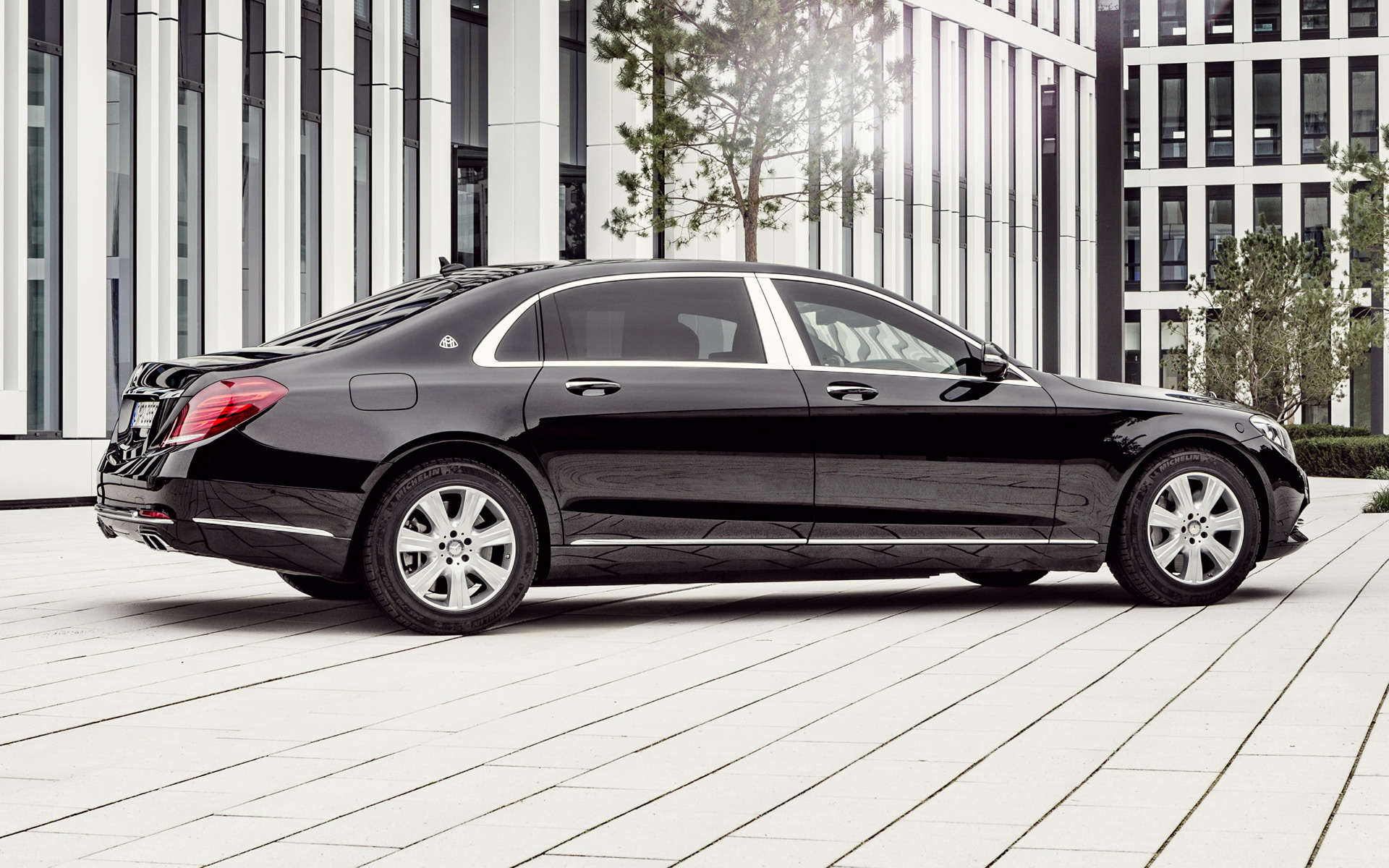 2016 mercedes maybach s class guard wallpapers and hd images car pixel. Black Bedroom Furniture Sets. Home Design Ideas