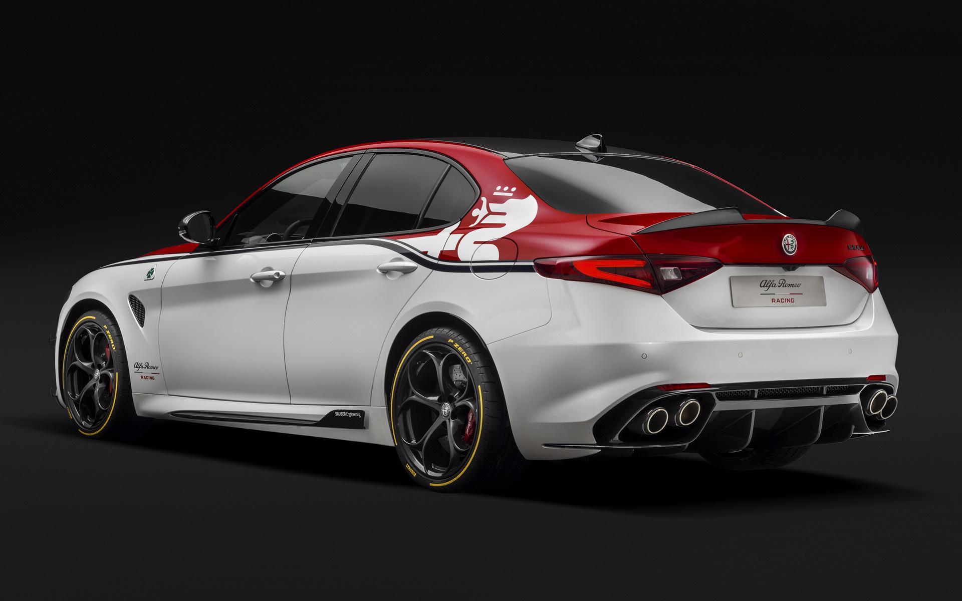 2019 Alfa Romeo Giulia Quadrifoglio Alfa Romeo Racing