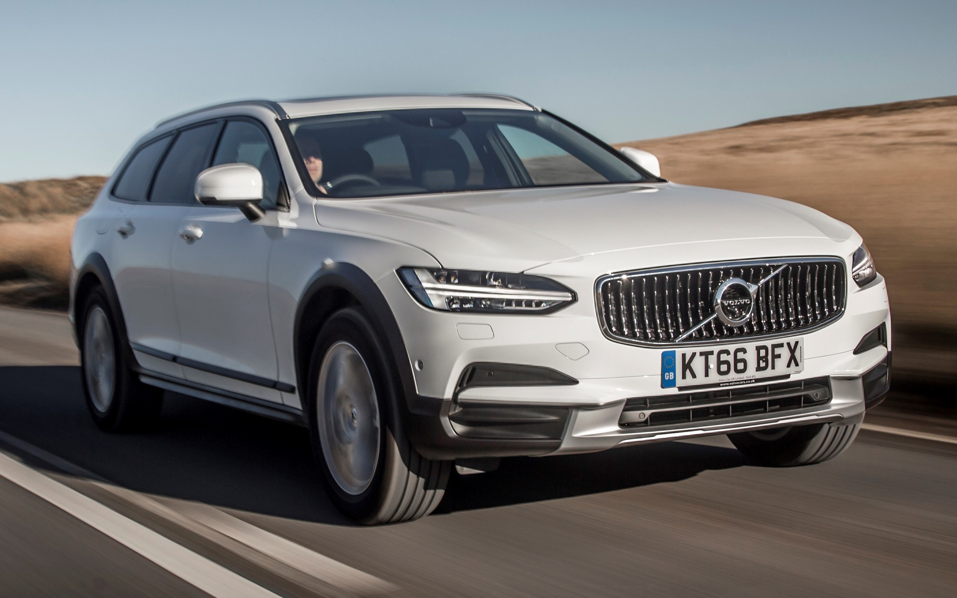 2017 Volvo V90 Cross Country Uk Wallpapers And Hd