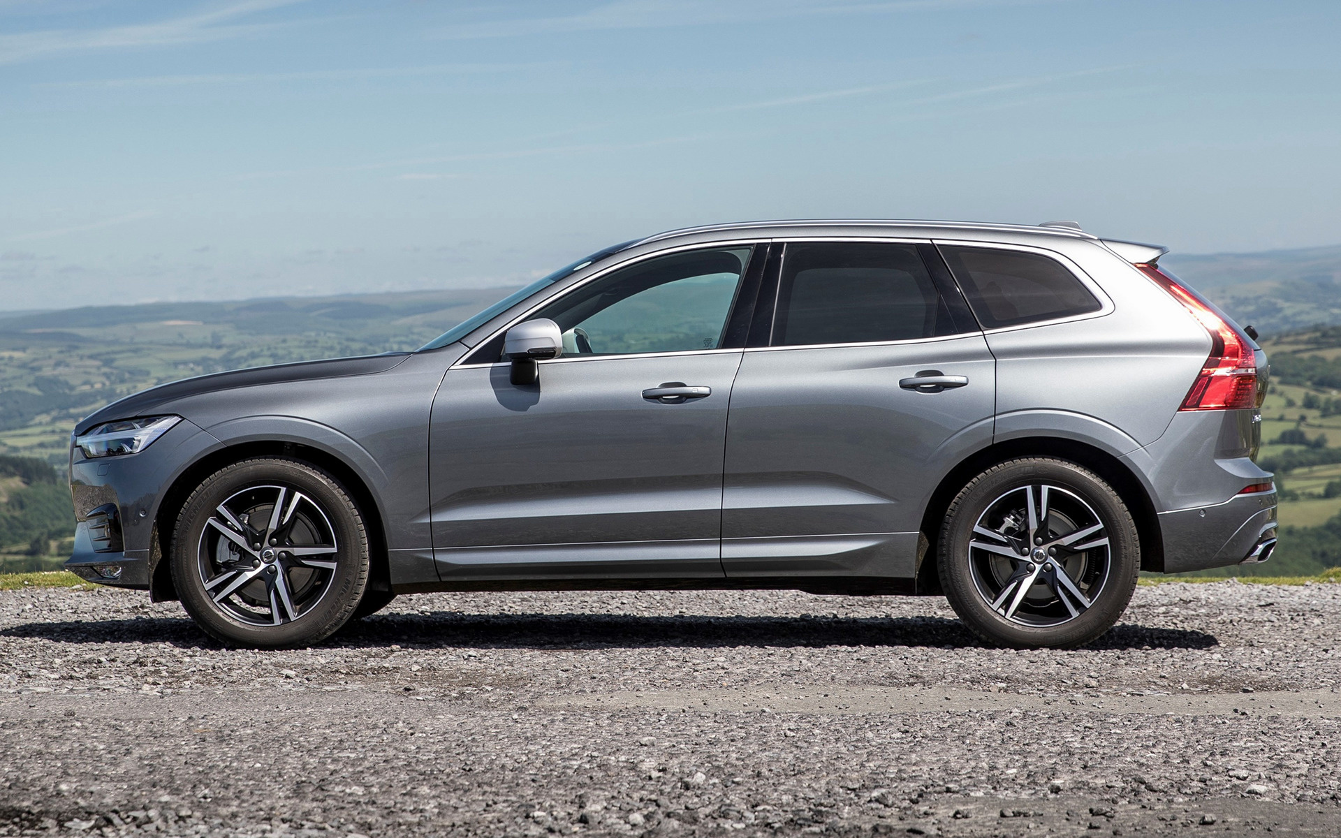volvo xc60 r design 2017 uk wallpapers and hd images car pixel. Black Bedroom Furniture Sets. Home Design Ideas
